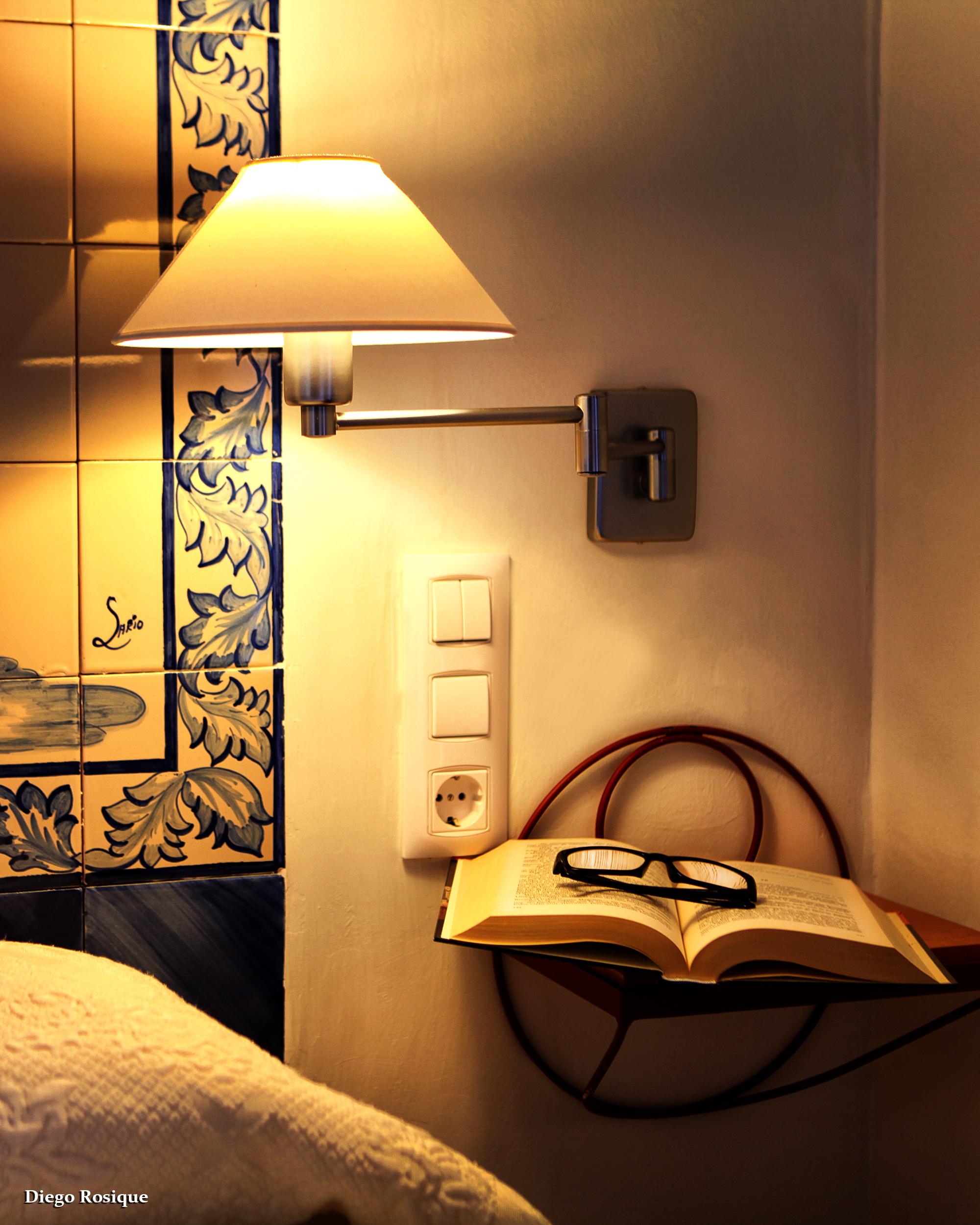 Habitación cálida y confortable